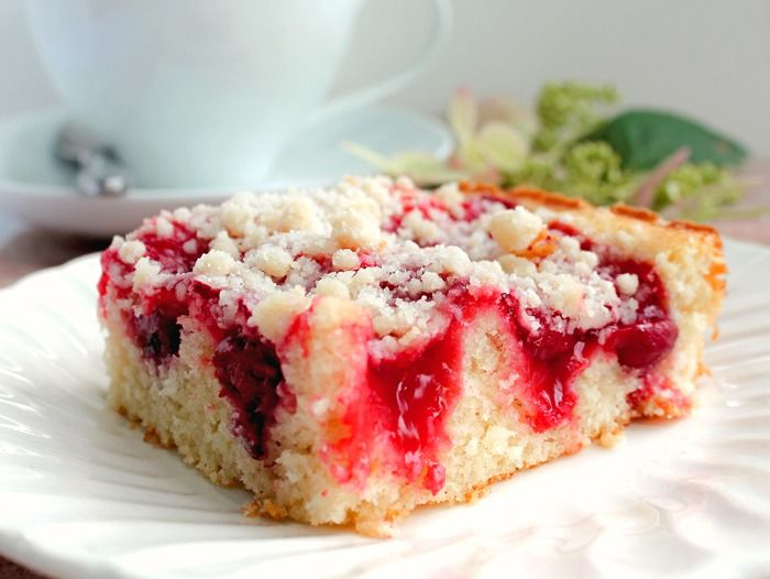 Pie Filling Cake - here Delicious Cherry Coffee Cake with Crumb Topping - can use any canned fruit pie filling!