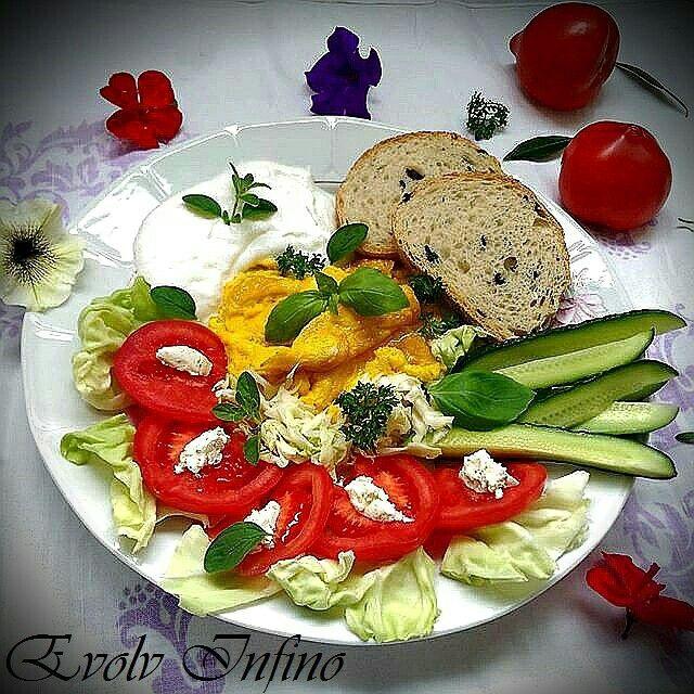 Omellete Salad