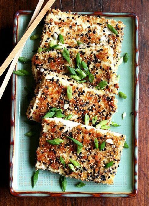 Low FODMAP & Gluten free Recipe - Sesame-crusted tofu with gingery noodles http://www.ibssano.com/low_fodmap_recipe_sesame_crusted_gingery_noodles.html