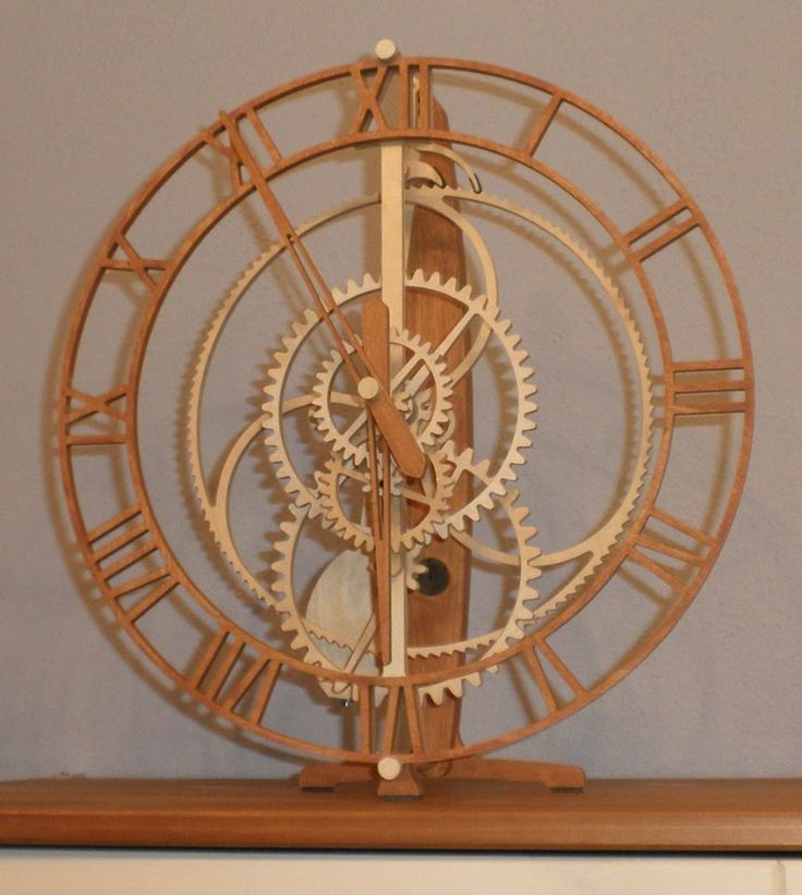 "Wooden clock ""Magica"" from Manfred Böhm. Designed by Christopher Blasius. Plans available at holzmechanik.de"