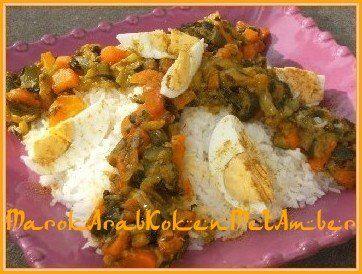Het is ook wel eens lekker om vegetarisch te eten vooral als het om onderstaand gerecht gaat.Een heerlijke rijstschotel met gemengde groenten gekruid met Marokkaanse specerije