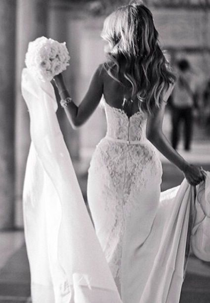 Loving the back on this dresss