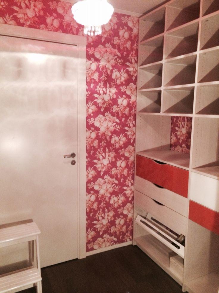 Walk-in-closet från Lumi. I vårt Regin från Älvsbyhus