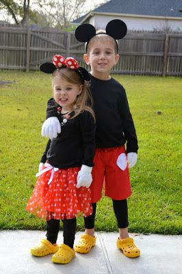 Family Mickey and Minnie Matching Theme Costumes | DIY EASY | Disney Family Costume Ideas | Halloween | MNSHHP | The Journey of Parenthood