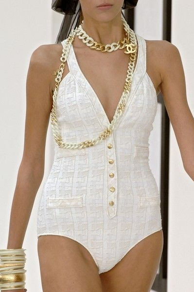 """Chanel Spring 2007 - Details-it even has the signature Chanel """"pockets"""""""