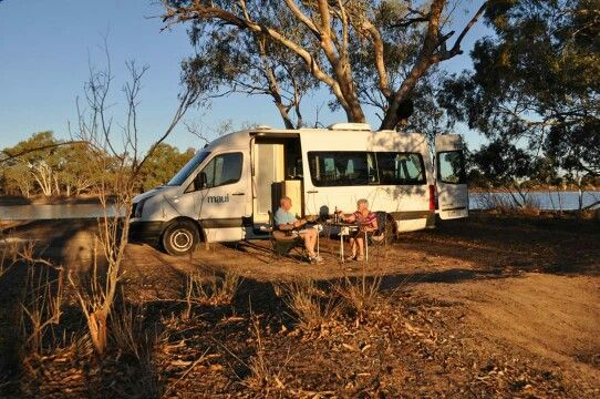 Happy campers Sue and Brian enjoying outback Qld #gallivantingoz #thisisqueensland #gobycamper