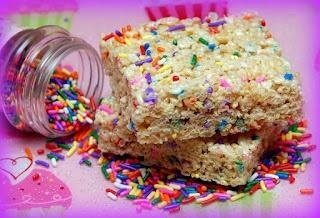 """Hugs & CookiesXOXO: """"SPRINKLE-ICIOUS"""" RICE KRISPY TREATS!Cookies Xo, Free Hug, Krispie Sprinkles, Food Ideas, Sprinkles Rice, Gluten Free, Cookiesxoxo, Sprinkles Icy, Rice Krispie Treats"""