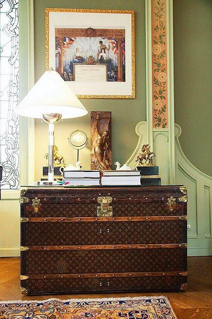 I would die for this trunk!  What a great entry table!