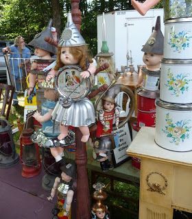 Trip to Brimfield Antique Show outside of Boston with 6000 sellers