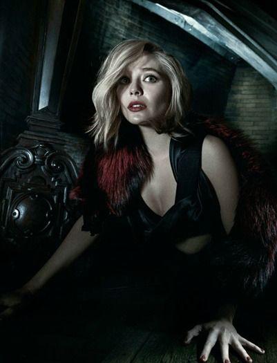 337 best elizabeth olsen images on pinterest elizabeth - Scarlet witch boobs ...