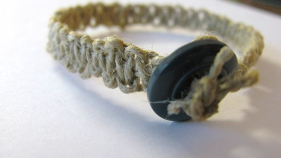 Simplicity Macrame Hemp Bracelet by sarahinsolitary on Etsy