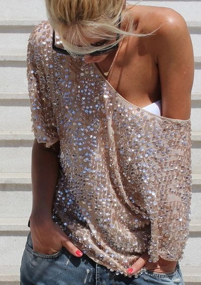 Sequins.: Outfits, Off Shoulder, Style, Shirts, Saia Mini-Sequins, Boyfriends Jeans, Sequins Tops, Shoulder Tops, Glitter
