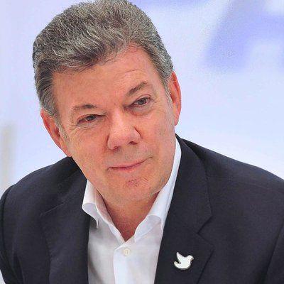"""Juan Manuel Santos on Twitter: """"Espaldarazo bipartidista de EE UU: Congreso aprobó presupuesto con partida de US$450 millones para Paz Colombia. 74 millones más que en 2016"""""""
