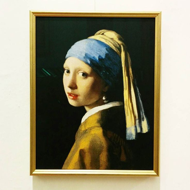 Oggi abbiamo avuto il piacere di #incorniciare questo splendido #dipinto del #pittore olandese Jan #Vermeer (#ragazza con l'#orecchino di #perla). Sarà l'originale?  #cornici #arte #ritratto #falsodautore #copia #art #tela  #portrait #framing #selfie #original #girl #gold #painting #artist #famous #canvas