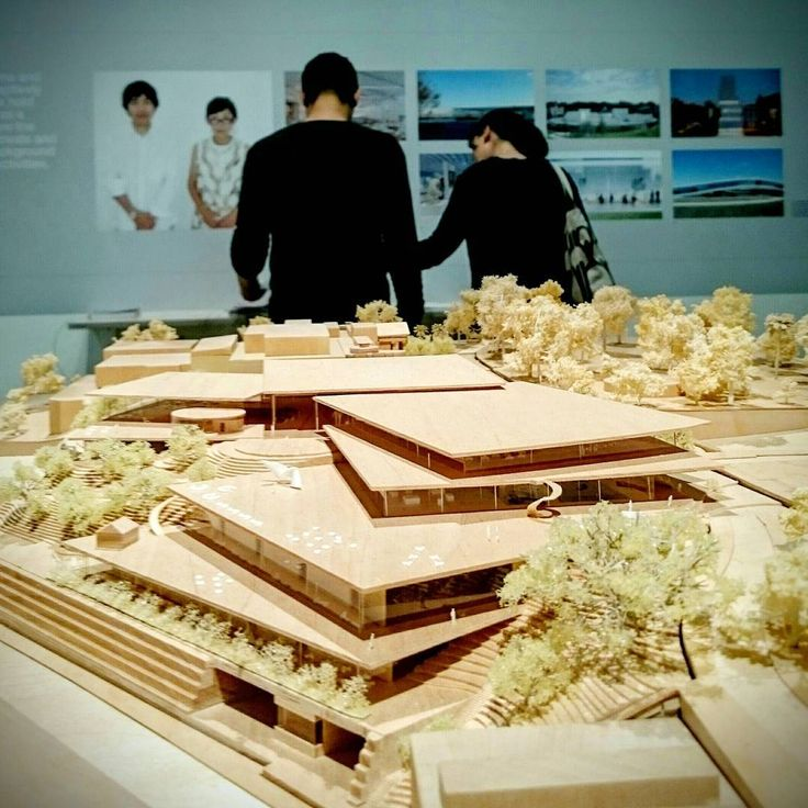Tony & Stephanie from Chenchow Little Architects, visiting Sydney Modern Project competition exhibition won by SANAA.