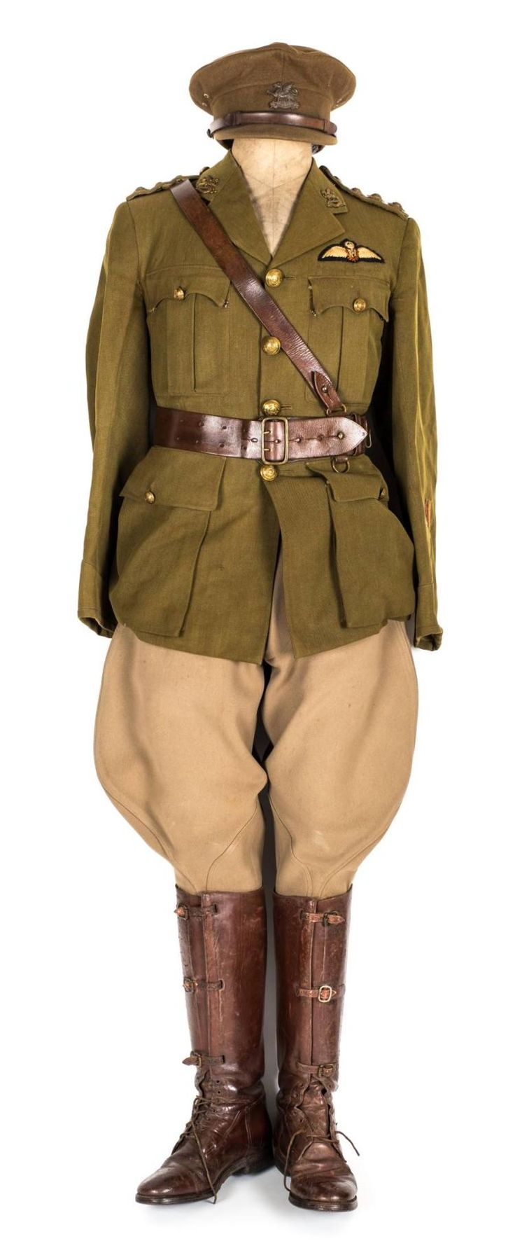 * Royal Air Force. WWI officer's uniform of the Royal East Kent
