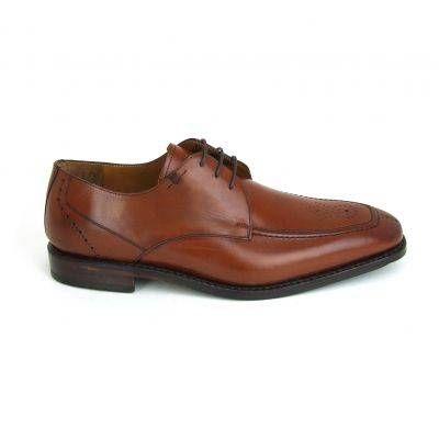 Warm bruine herenschoenen van Van Bommel, model 14268! Deze prachtige herenschoenen hebben een broque neuspartij en een heel subtiel randje ...