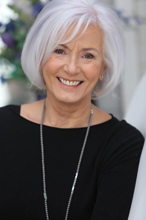 Gray Hair Haarschnitt Ideen Kurze Haare Frauen Und