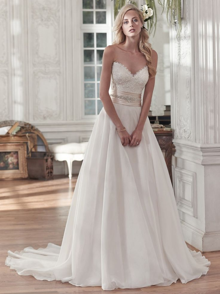 Wedding Dress 8863 - Dominique Levesque Bridal