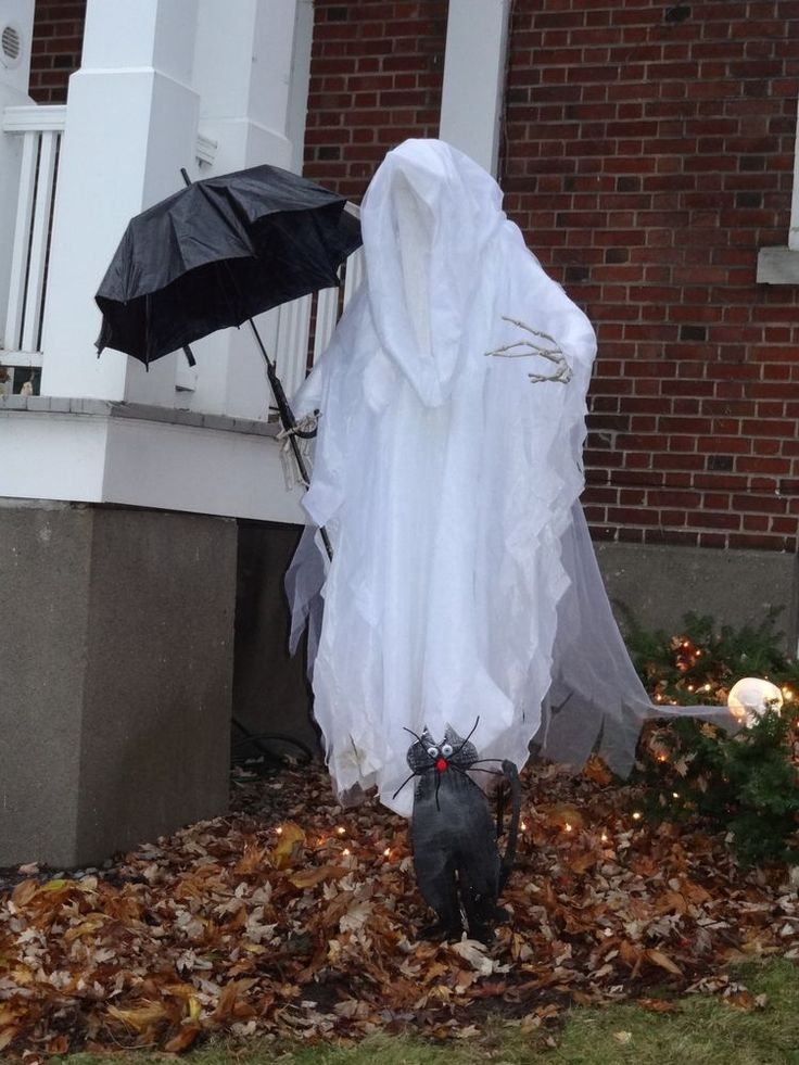 halloween decor life size white cloaked reaper ghost by grandin road 8999 0 bids - Grandin Road Halloween