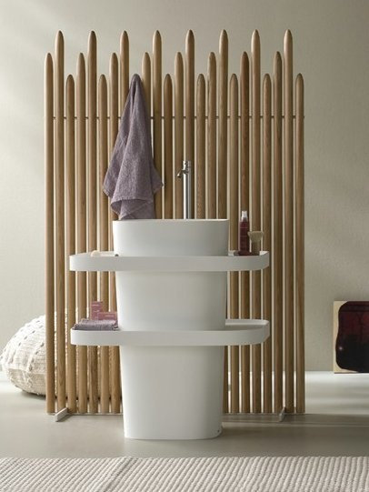 Free standing oval Corian® washbasin FONTE by Rexa Design | Design Monica Graffeo #bathroom #Japanese #bamboo