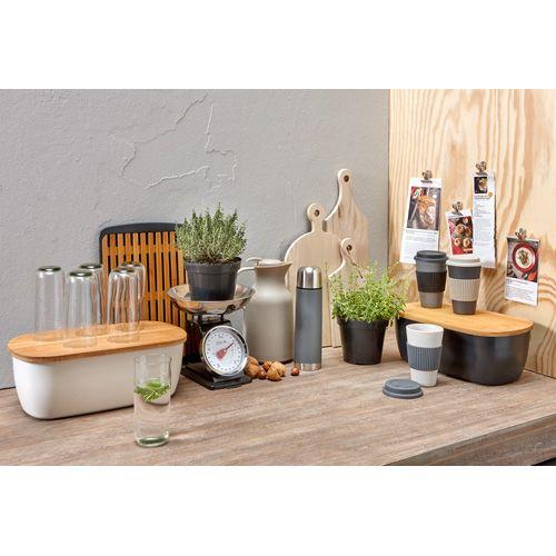 Maak van jouw keuken een eigen plekje! De mooiste keukenaccessoires met een botanische look vind je hier > #keuken #botanisch #interieur #kwantum #kwantumbelgie #woontrend #woonstijl #botanischwonen