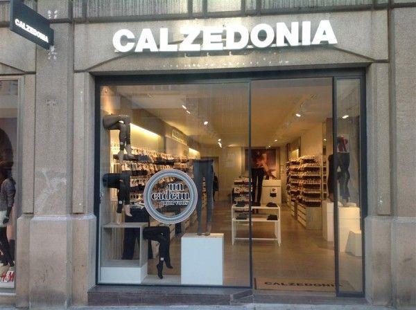 Store Calzedonia a Nancy.  Insegne, vetrine, arredi realizzati da Penta Systems.   Store Calzedonia in Nancy. #Signs, #ShopWindows and #Furniture made by Penta Systems.