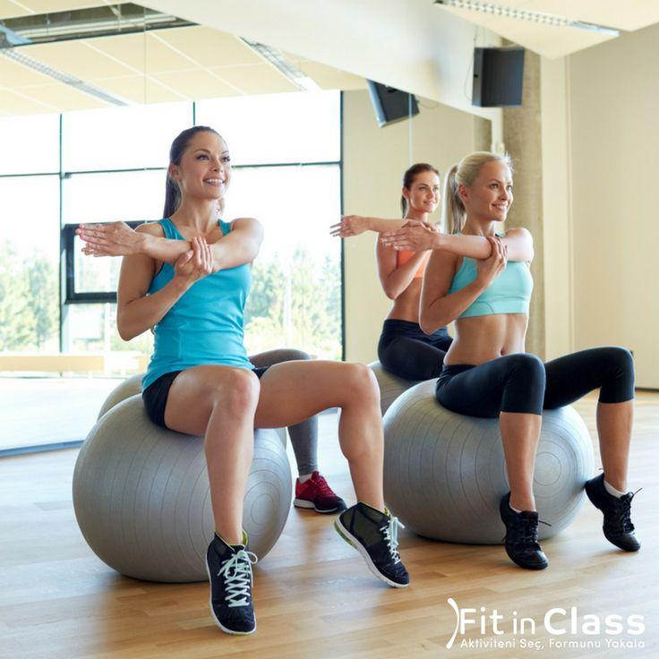 Egzersiz yapmadığınız zamanlarda vücudunuz esneklik kaybı yaşar, böylece kasların daha kırılgan ve sakatlığa meyilli hale gelmesi kolaylaşır. Haftada 2-3 gün yapacağınız pilates ya da yoga sayesinde esnekliğinizi geri kazanıp hayatınızı daha konforlu hale getirebilirsiniz.  Pilates ve yoga grup dersleri fitinclass.com'da!