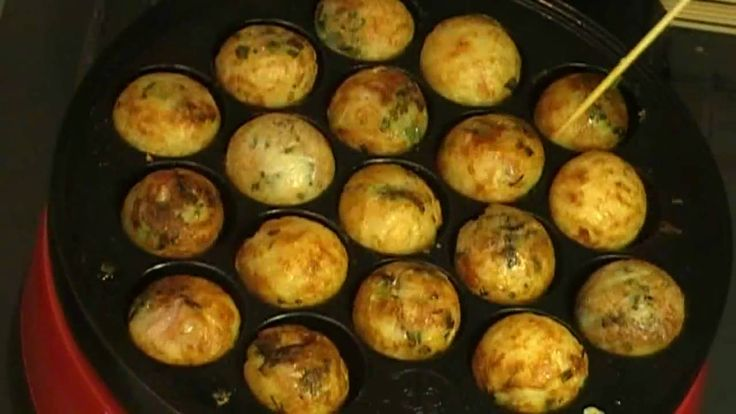 You can buy takoyaki plate from Amazon. They sell several kinds :) Ingredients for batter (50 pcs takoyaki 約50個分) : 1tsp salt (小1 しお) : 1tsp baking powder (小...