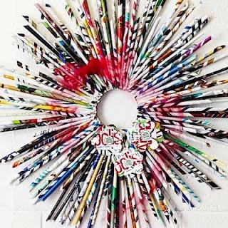 Recycled Magazine Wreath Tutorial @ http://wherethegrassisgreener-rz.blogspot.com/2010/12/recycled-magazine-wreath-tutorial.html
