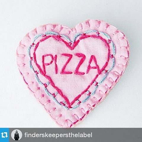 #Repost @finderskeepersthelabel ・・・ Pizza is a fine Valentine! #suitster #online #store #fashion #style #finderskeepers #happyvalentinesday