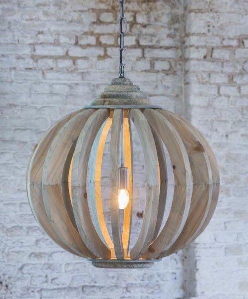 #Hanglamp Laura #hout met spijlen staat mooi in een #landelijke stijl, zoals een…