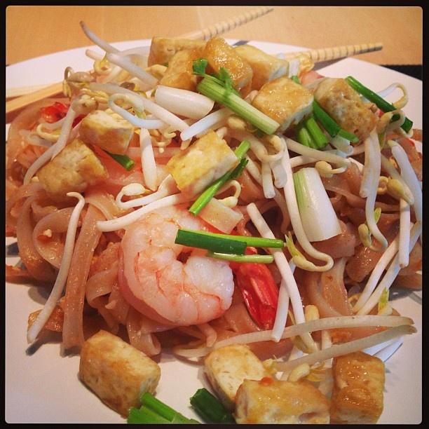 Mmh, rien de tel qu'un délicieux Pad Thaï maison... #padthai #thaicooking #cuisinethai #recette #receipt #recettecuisine #thailand #thaifood #food