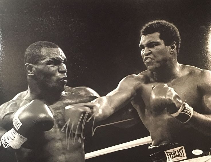 Muhammad Ali vs Mike Tyson - Fight of the Century !