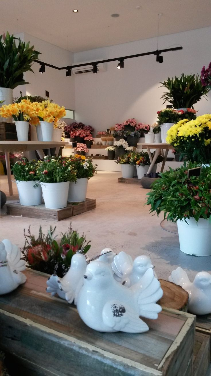 Where The Grass Is Green   Event styling and floral design