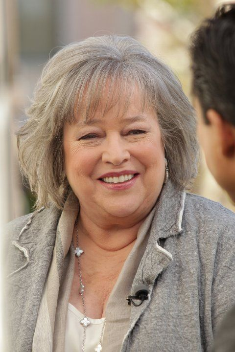 Kathy BATES (b. 1948) [] Notable Films: Misery (1990); Dick Tracy (1990); Fried Green Tomatoes (1991); At Play in the Fields of the Lord (1991); Dolores Claiborne (1995); Diabolique (1996); Titanic (1997); The Waterboy (1998); Primary Colors (1998); Rat Race (2001); About Schmidt (2002); Dragonfly (2002); Around the World in 80 Days (2004)