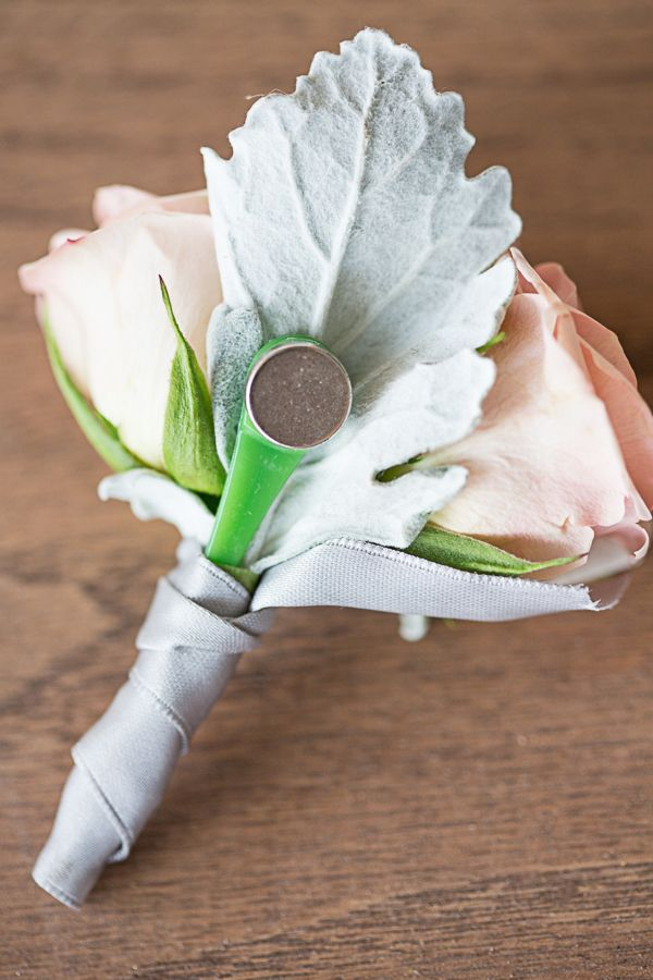 magnetic boutonniere! brides ask your florist for it! makes it easy for grooms and groomsmen.