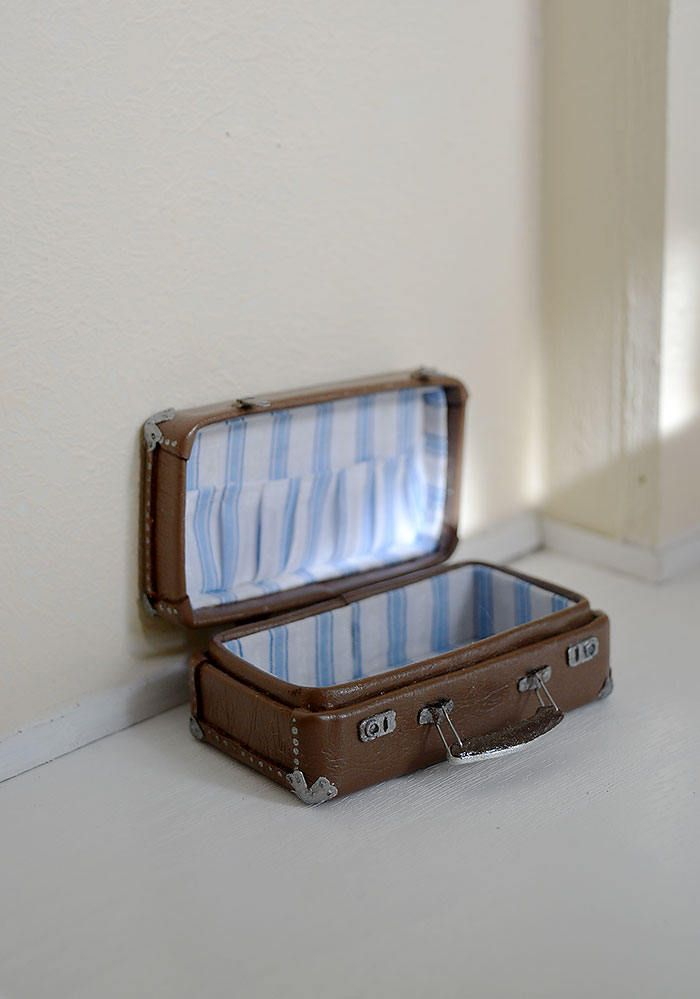 Brown Suitcase for doll, 1/12 Dollhouse Miniature Scale, Big bag for clothes by Galchi on Etsy
