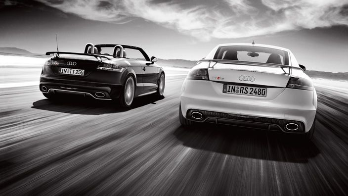 Reduced weight, maximized rigidity, and the brutal force of the 2.5 TFSI engine. The Audi TT RS Roadster. Extreme pleasure, extreme performance. Source: Audi AG