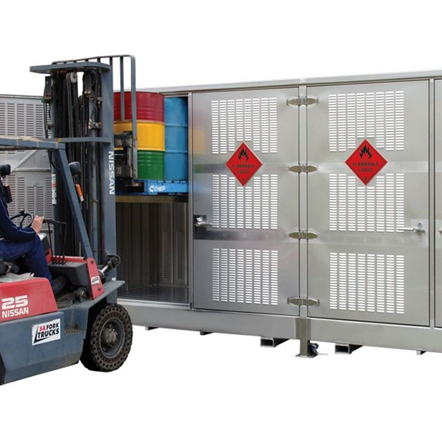 #stainlesssteel Relocatable dangerous goods store engineered and manufactured by #STOREMASTA   This dangerous goods store has the capacity to store 32 x 205L drums. All STOREMASTA products are manufactured in Australia.
