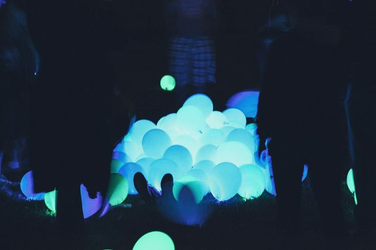 Excellent DIY Party Decoration Tip - Dance-floor Disco Balloons! in Party Planning | Home | Hand Luggage Only