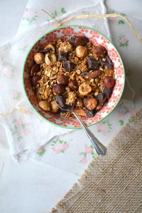 Granola maison aux fruits secs chocolat et flakes d'erable