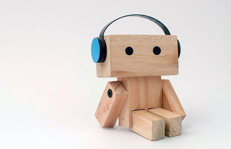 PINOCCHIOS Muñecos de madera a partir de materiales reutilizados de la construcción. http://charliechoices.com/pinocchios/
