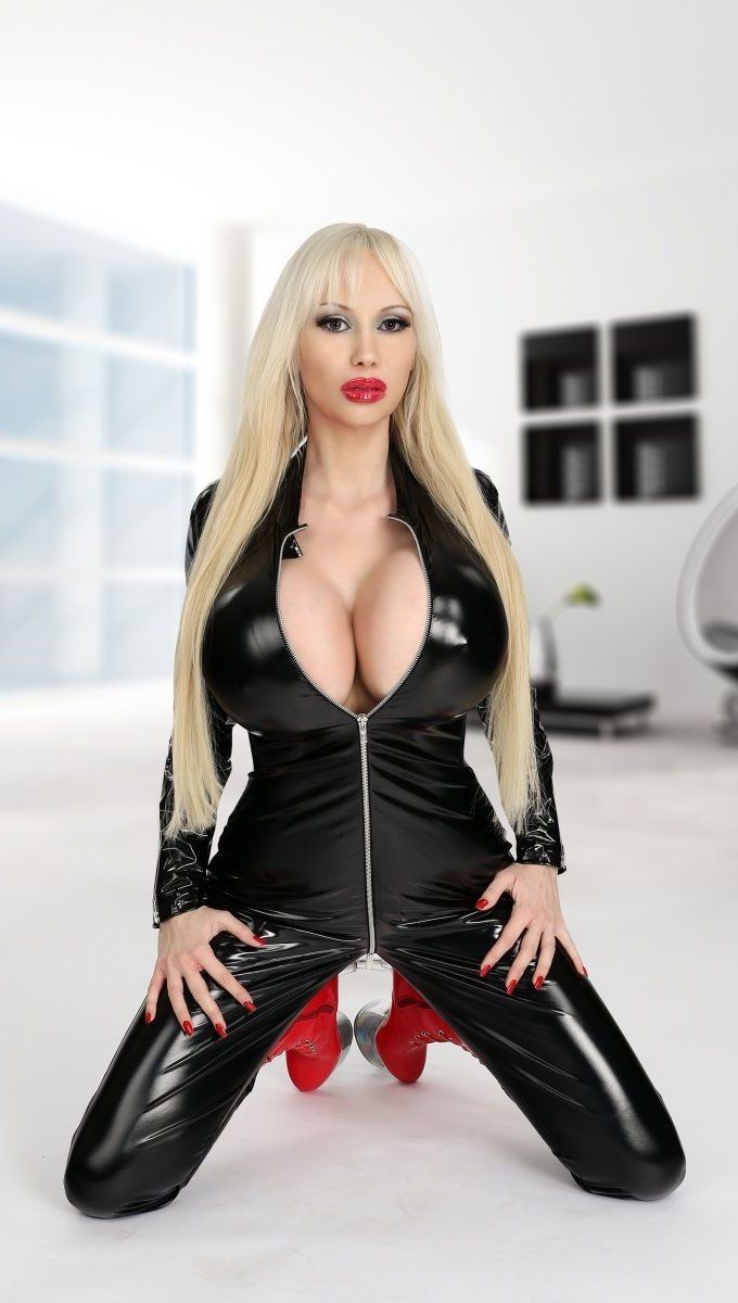 Busty blonde escorts in los angeles