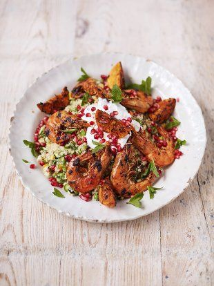 Prawns, Seasonal Veg & Rainbow Salsa | Seafood Recipes | Jamie Oliver => und wenn man dann noch die Garnelen gegen Hähnchen tauscht...