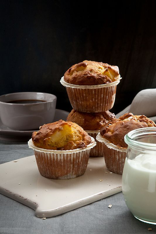 Vederlichte appel-yoghurt muffins. Zure smaak vd yoghurt is nogal aanwezig, verder lekker luchtig.