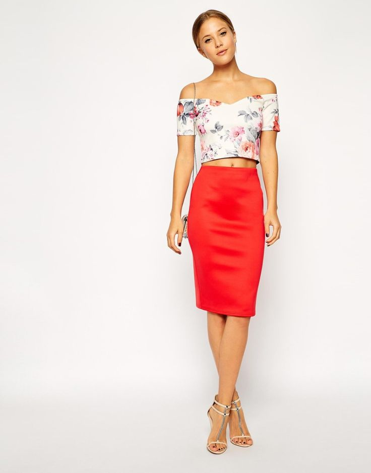 Floral off shoulder crop top with red pencil skirt and heeled sandals. Great choice for summer outfit. Buy the crop top here: http://justbestylish.com/10-best-crop-tops-for-summer-2015/