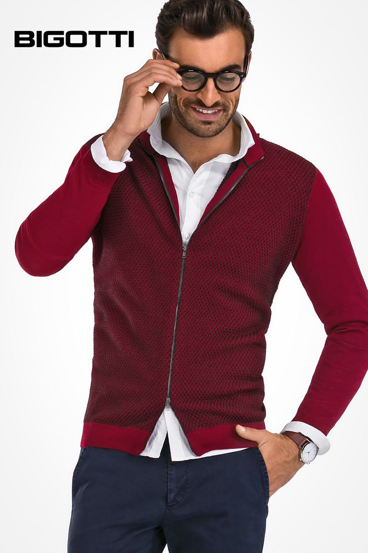 #Smart #option: #stylish #white #shirt with #classy #zip #sweater  www.bigotti.ro #mensfashion #follow #ootdmen #moda #barbati