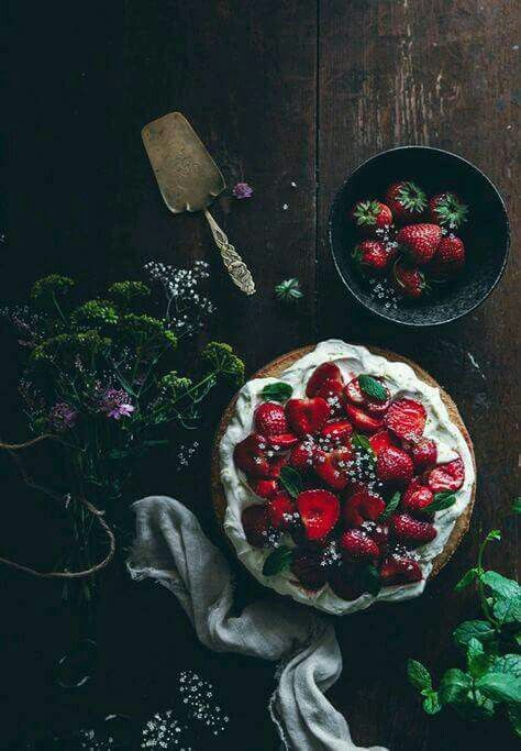 Sponge Cake with Balsamic Strawberries