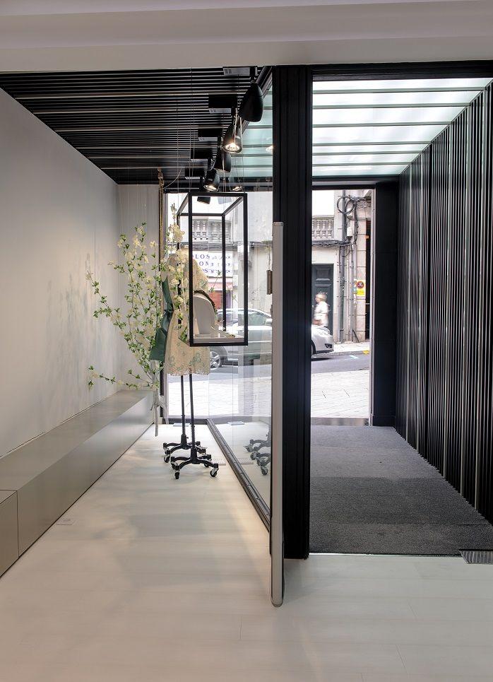 Blumé / equipoeme estudio #escaparate #lucernario #tienda #ropa #diseño #interiorismo
